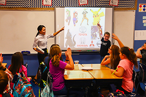 American kids learn about Japan through a cultural exchange program in school